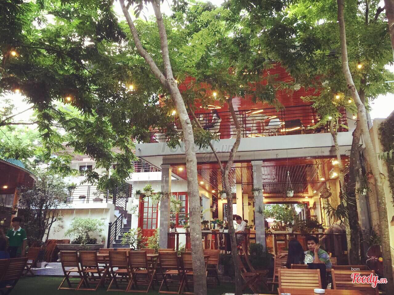 tìm mặt bằng mở quán cafe