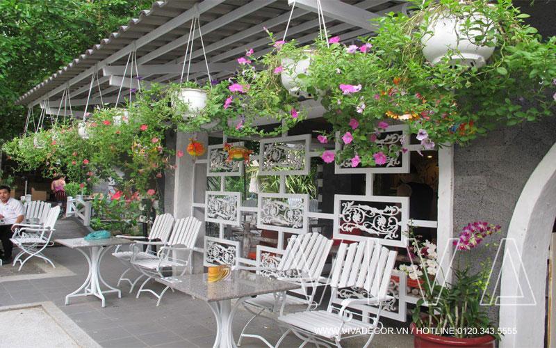 thiết kế quán cafe sân vườn đẹp 2