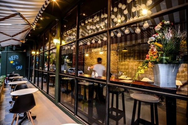 mặt bằng kinh doanh quán cafe