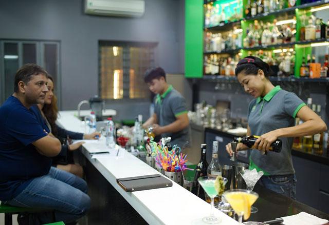 Học bartender hết bao nhiêu tiền