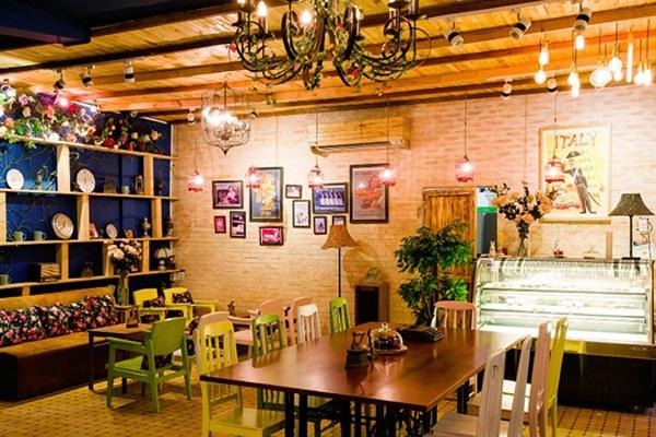 trang trí không gian quán cafe nhỏ đẹp